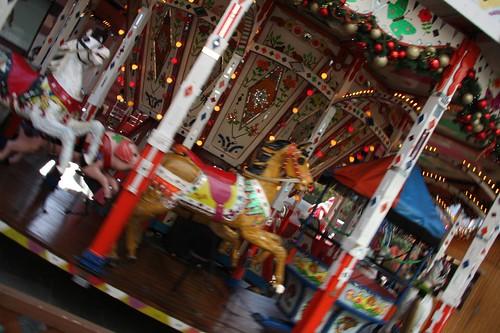 回転木馬 / Carousel