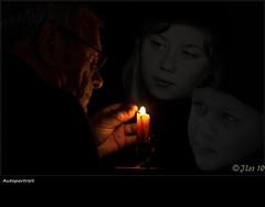 Flamme et fusion ! (JL) Tags: portrait autoportrait lumire ombre fusion flamme enfant clair bougie obscur incrustation dtourage