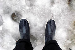 Tauwetter 3 (onnola) Tags: schnee winter snow berlin wet kreuzberg germany deutschland slush wellies rubberboots gummistiefel wellingtons matsch nass thawing sauwetter tauwetter schneematsch