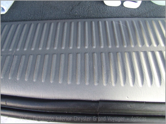 Chrysler Grand Voyager - Det. int. </span>+ opticas-13