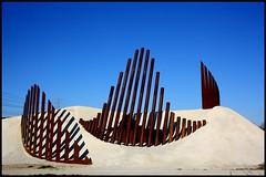 Esqueleto urbano 167/365 (Beatriz Pitarch) Tags: sculpture skeleton iron desert rusty oxido zaragoza escultura esqueleto desierto spines espinas oxidado oxide hierro project365