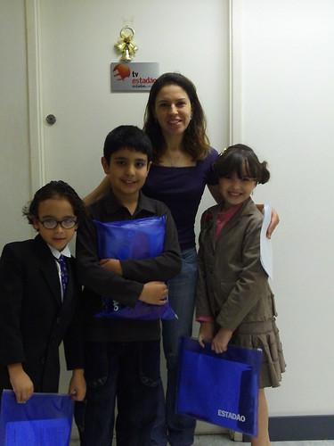 """@enzobuzz com Heloisa e João, editores convidados do Divirta-se do Estadão (junto com a """"tia"""" Fernanda)"""