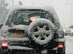 Snowy car before us (Julie70 Joyoflife) Tags: winter snow london photo unitedkingdom hiver lewisham londres angleterre snowing neige 2010 julie70 copyrightjkertesz havazik ninge photojuliekertesz ilneige photojulie70