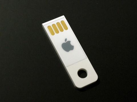 新MacBook Airの再インストール用USBメモリ