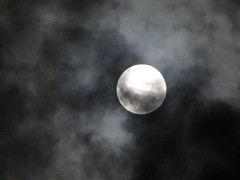 (itfer) Tags: moon night clouds eclipse grande big day cloudy lua noite nublado nuvem