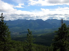Distant Friends (Walter Moar) Tags: hiking lakes nanaimo el mount service elcapitan hooker capitan landale whymper nanaimolakes mounthooker mountlandale mountwhymper elcapitanmountain mountservice