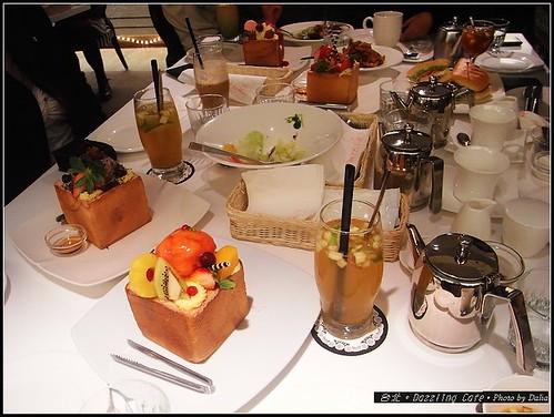 Dazzling Cafe (31)