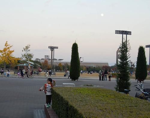 長居公園の月@セレッソ大阪 VS 横浜マリノス