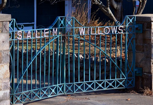 Salem Willows Gate