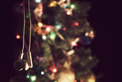 Merry Christmas! (Barjinder S.) Tags: christmas boss tree apple nikon bokeh head velvet ornaments headphones phones baws kentridge d40