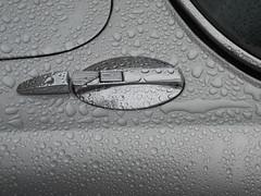 Jaguar XJ6 4.2 C (Transaxle (alias Toprope)) Tags: jaguar xj 42 42litre coupe jaguarxj xjc xjcoupe jaguarxjc jaguarxjcoupe xj6 series2 mk2 vinylroof vinyl straightsix inlinesix i6 l6 r6 sixcylinder internalcombustionengine sportscar sportcars classic car cars classiccar classiccars vintage vintagecar vintagecars historic historiccar historiccars auto autos autostoriche autodepocha coche coches cochedepoca cocheantiguo antigua bella macchina bellamacchina oldtimer meilenwerk berlin beauty soul power toprope nikon annciennes drops rain drop goccia goccias raining 雨天
