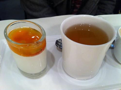 義式雙色奶酪+洋甘菊香柚花茶