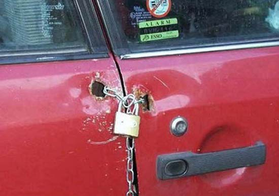 Red Car Lock Fail