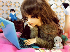 (-Sebastian Vargas-) Tags: family blue dog ball hair sweater high bedroom eyes doll sara laptop space room wig annie heels bjd shorts abjd sylvan playmobil invaders jointed dollzone