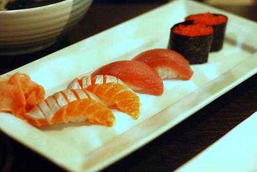 Shake, Maguro and Tobiko Sushi