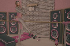 Dance like nobodys watching. (Katy Hastings) Tags: astralia cosmicdust deaddollz gacha letre lostjunktion mina thecrossroads valekoer ballet