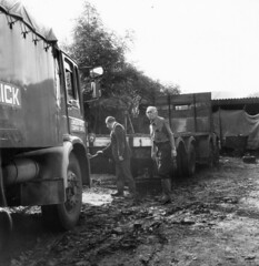 AEC Recovery Truck, DLG 767F & AEC Mammoth, BEW 77. (LBCSteve) Tags: london brick aec recovery truck mammoth