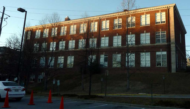 P1070441-2011-01-29-North-Fulton-High-School-Shutze-South-Wing-South-Facade