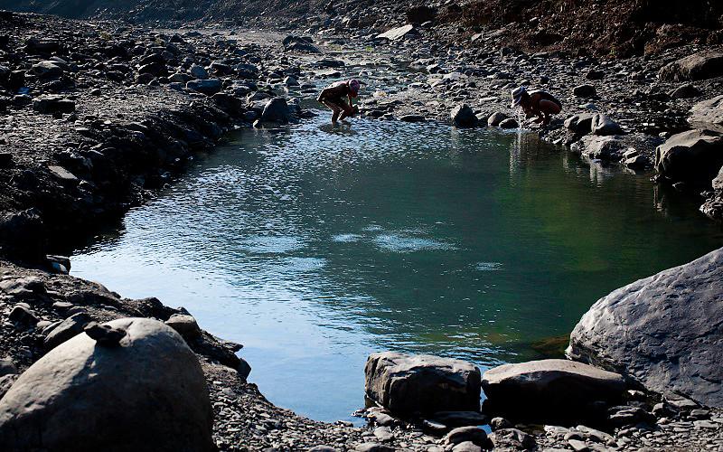 冒泡的溫泉池