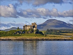 Duart Castle (Helen Beresford) Tags: mountain reflection landscape scotland highlands isleofmull loch duartcastle craignure soundofmull lochlinnie platinumheartaward absolutelystunningscapes