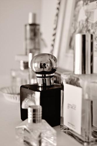 perfume-019 bw blush