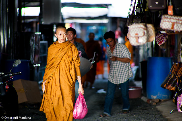 Shopping Monk