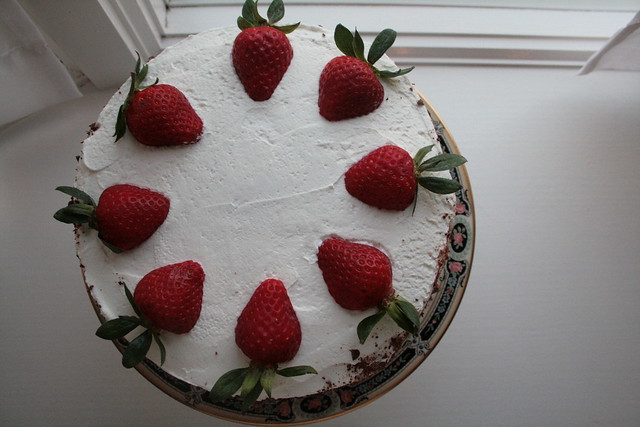 strawberry/banana filled cake