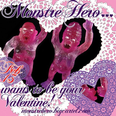 MonstreHero V-Day Ape Set