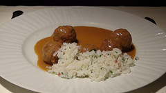 Albóndigas de ternera y cerdo con arroz blanco