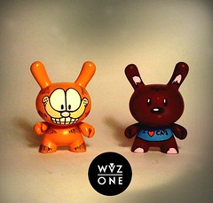 Garfield & Pooky (WuzOne) Tags: cartoon kidrobot custom pooky garfield dunny vinyltoy artoy wuzone