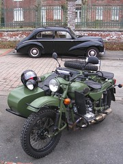 HOTCHKISS Anjou et side-car URAL 750. (xavnco2) Tags: black france green cars french automobile moto autos russian classiccars sidecar verte picardie ural noire 750 somme hotchkiss russe anjou marcelcave gavap