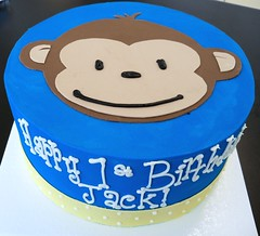 Monkey Face cake (Retro Bakery in Las Vegas) Tags: birthdaycakes monkeycake weddingcakes fondantcake christeningcakes retrobakerycakes lasvegascakes scrollcake justinbeiber dreamcatchercakes nativeamericancakes justinbeibercakes justinbeiberbirthday