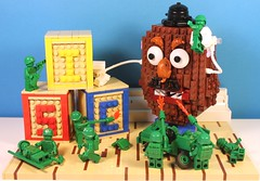 We need more flame units! (I Scream Clone) Tags: men green toy army lego mr story potato