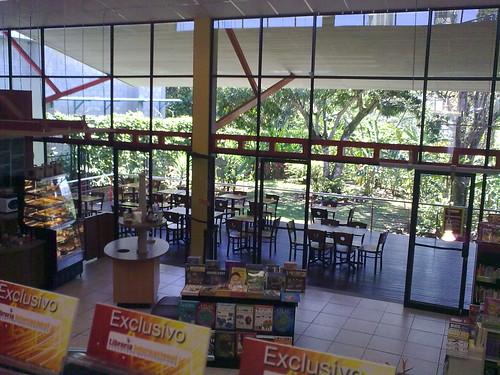 Cafetería Librería Internacional Tibás