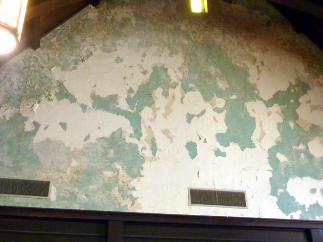 P1080474-2011-03-12-Inman-Park-Methodist-Aged-Plaster