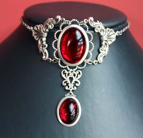 Bloody Ruby Red Choker