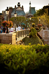 Come Dance With Me (Scott Smith (SRisonS)) Tags: france epcot topiary dancing pavilion sleepingbeauty worldshowcase princephillip flowergardenfestival 2011 princessaurora