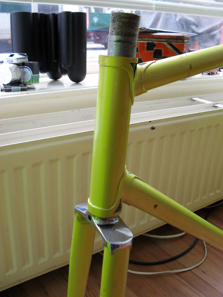 lime green road frame headtube