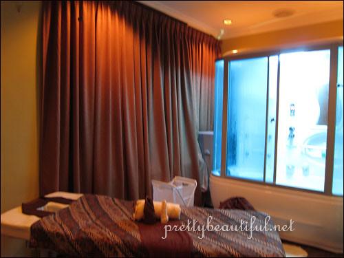 Jari Spa Massage Room with Jacuzzi