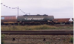 VTQX 632 R Tottenham 4/1998 (booksvic) Tags: tank railway vr wagons vline
