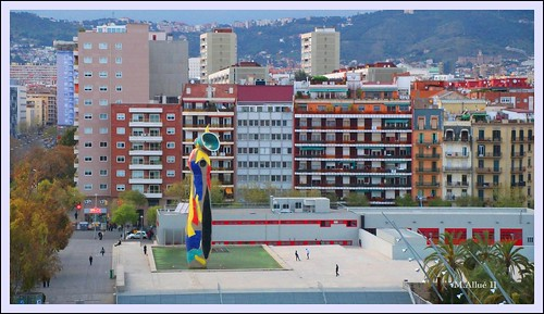 Parc de Joan Miró (Escorxador o Matadero) by Miguel Allué Aguilar