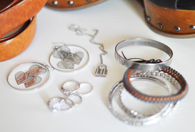 jewelry+earrings+rings+bracelets+bangles+leather