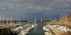 930 SARDAIGNE (rustinejean) Tags: rustine mer sea port harbor bateau boat baot tour tower