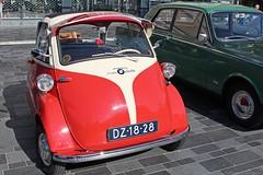 1959 - BMW Isetta 300 - DZ-18-28 -2 (Oldtimers en Fotografie) Tags: 1959bmwisetta300 bmwisetta300 bmwisetta bmw isetta dz1828 midlandclassicshow2016 midlandclassic2016 midlandclassicshow midlandclassic almere oldcars bubblecars classiccars germancars oldtimers oldtimer fransverschuren oldtimersfotografie fotograaffransverschuren