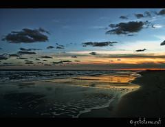 Platja de la Barra del Trabucador | Barra del Trabucador's Beach (Fototerra.cat) Tags: sol beach water clouds nikon catalunya aigua platja nuvols deltadelebre parcnatural capvespre terresdelebre trabucador nikond90 dblringexcellence tplringexcellence fototerracat