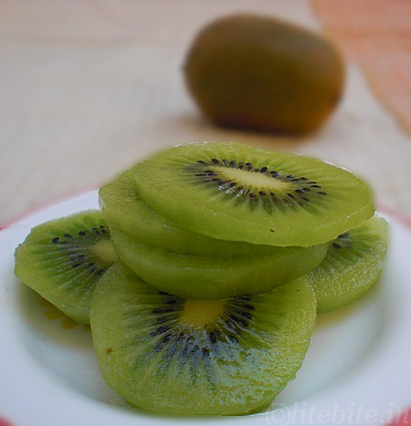 Eggless Kiwi fruit Muffin