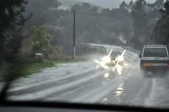 RN198 : pluie et grêle sur la route