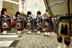 Scotland In Montmartre (dprezat) Tags: paris montmartre 2011 républiquedemontmartre commune ecosse scotland highlander kilt cornemuse clan rugby tournoidesvinations xv france street people portrait sonyalpha700