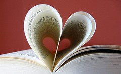 I love this story (Frau Fanta5) Tags: buch lesen reading book heart page herz seite