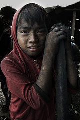 Ulingan, Tondo - Face Of  Resilience (Mio Cade) Tags: boy portrait face work kid factory child smoke jr dirty dirt charcoal coal ulingan
